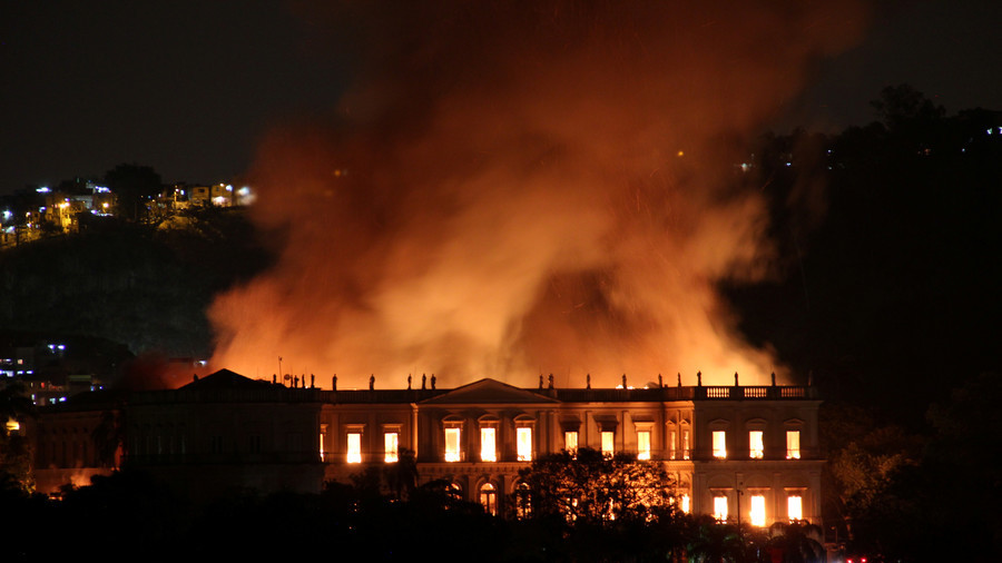 Brazil National Museum housing 20mn+ exhibits devoured by massive blaze (PHOTOS, VIDEO)