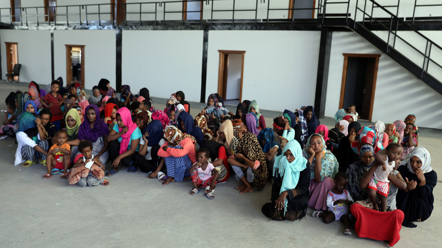 Up to 1800 migrants flee Libyan detention centre as chaos rages in Tripoli (VIDEO)