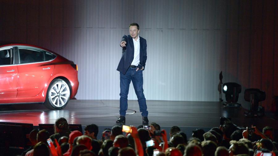 Elon Musk triples down on 'pedo' claims, calls Thai cave rescuer 'child rapist'