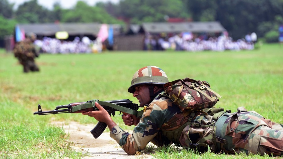 Indian army to replace 150,000 personnel with high tech weapons - officials