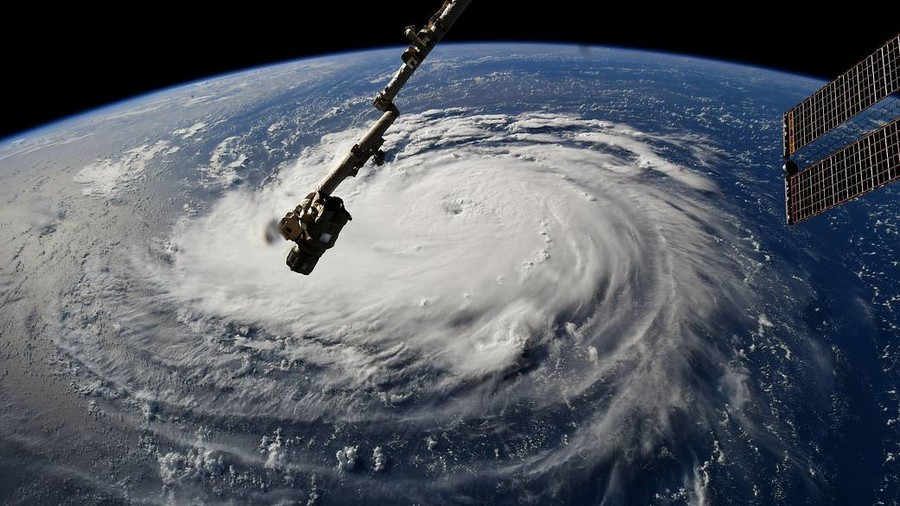 245,000 ordered to evacuate in Virginia as powerful Hurricane Florence descends on US