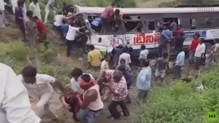 43 dead as Indian bus carrying pilgrims plunges into valley