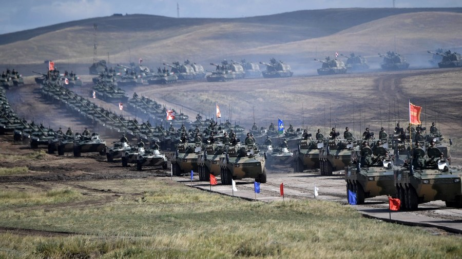 Russian, Chinese and Mongolian troops hold joint parade
