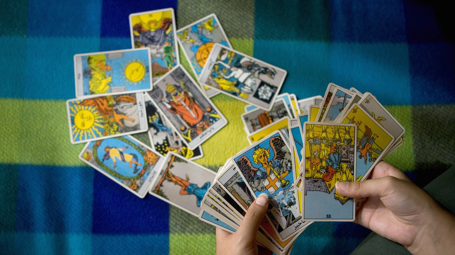 Unfortunate: Tarot reader arrested over €4 million in undeclared earnings
