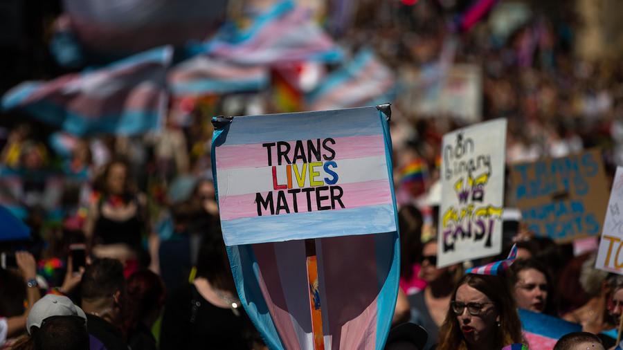Huge rise in school-age girls seeking gender reassignment prompts UK govt research