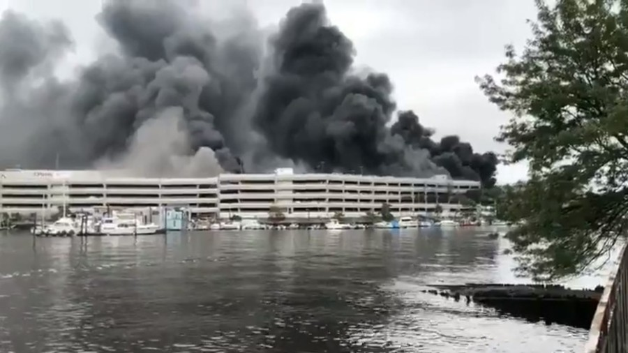 Fire in Kings Plaza parking garage injures 21