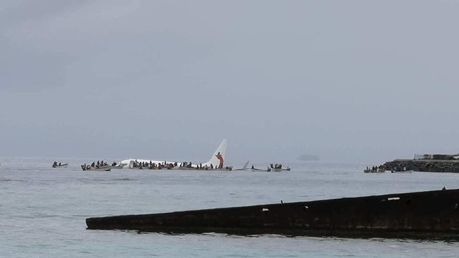 Passenger plane crash-lands in ocean in Micronesia (PHOTOS, VIDEO)