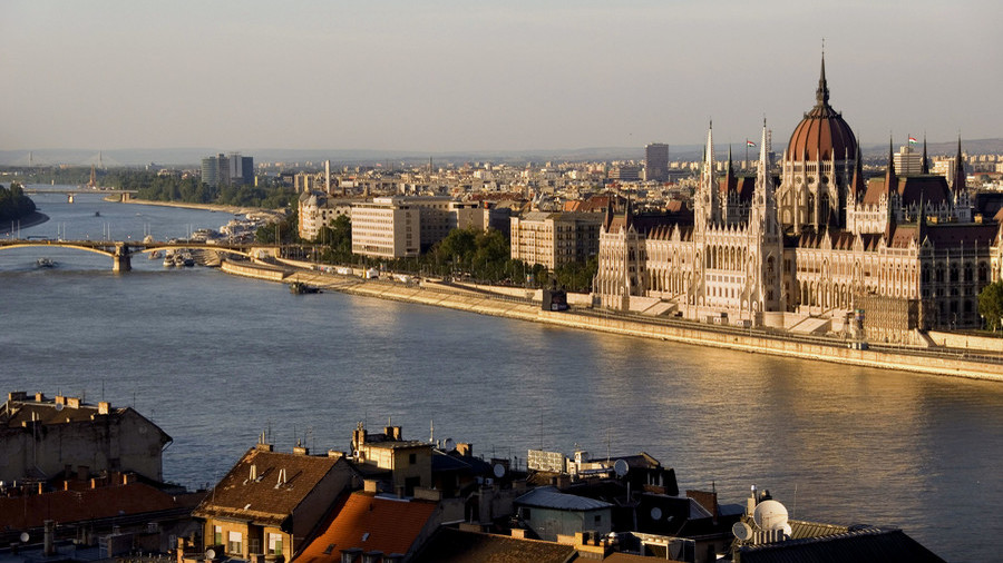 Costly affair: Sanctions on Russia have cost Hungary $8 billion, FM says