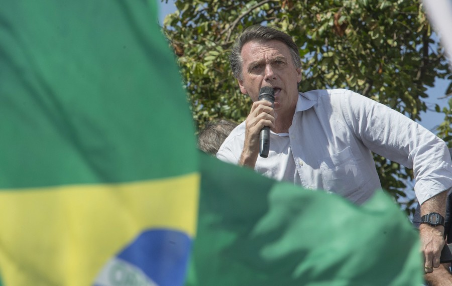 Brazil's presidential front-runner Bolsonaro stabbed during campaign event (DISTURBING VIDEOS)