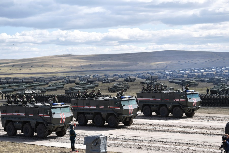 Russia, China Conduct Moscow's LARGEST WAR GAMES in History — EASTERN ALLIANCE