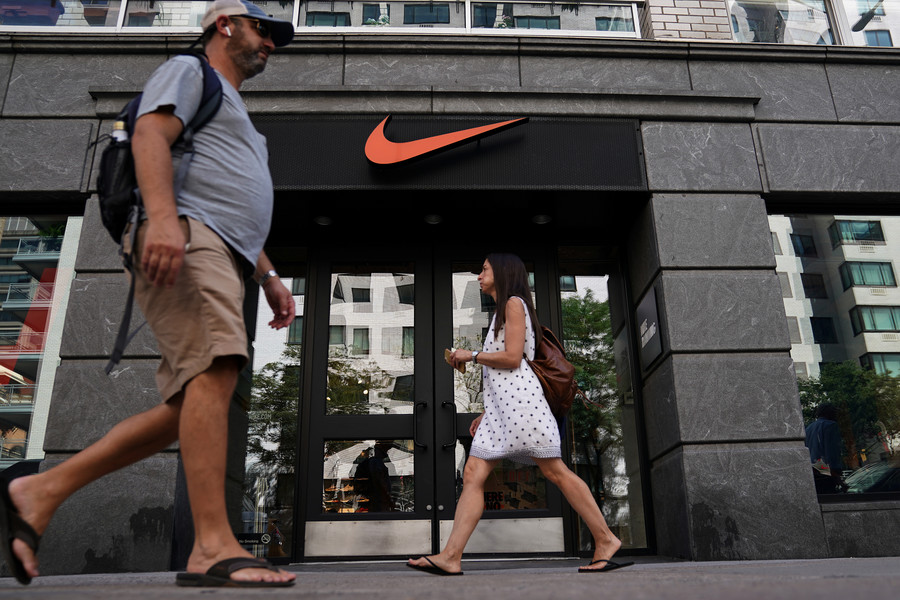 Playing both sides: Despite woke advertising, Nike donates big to GOP