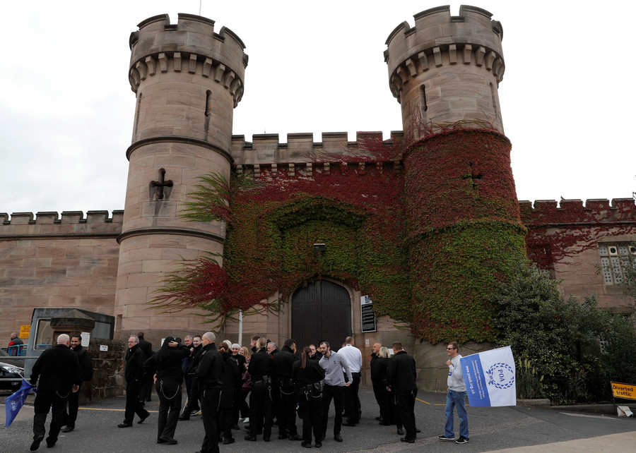 'My members have excrement & urine thrown at them': Prison Officers leader calls for mass walkout
