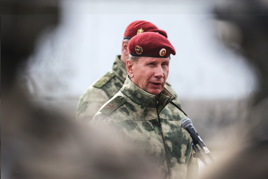 Russian liberals ask Putin to fire National Guard commander over fisticuffs challenge to activist