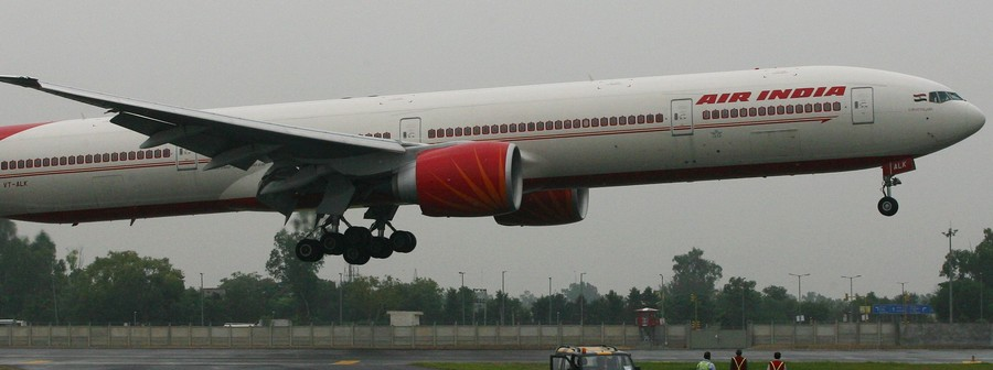 Indian pilot saves 370 lives by manually landing plane after all flight systems fail