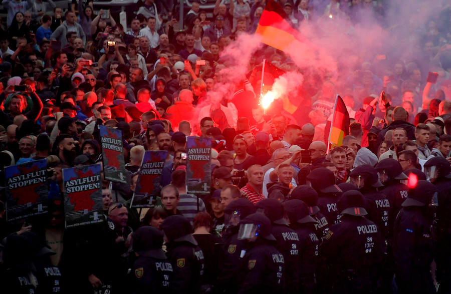 'Stop Islamization': AfD supporters march through Germany's Rostock amid massive counter-protests