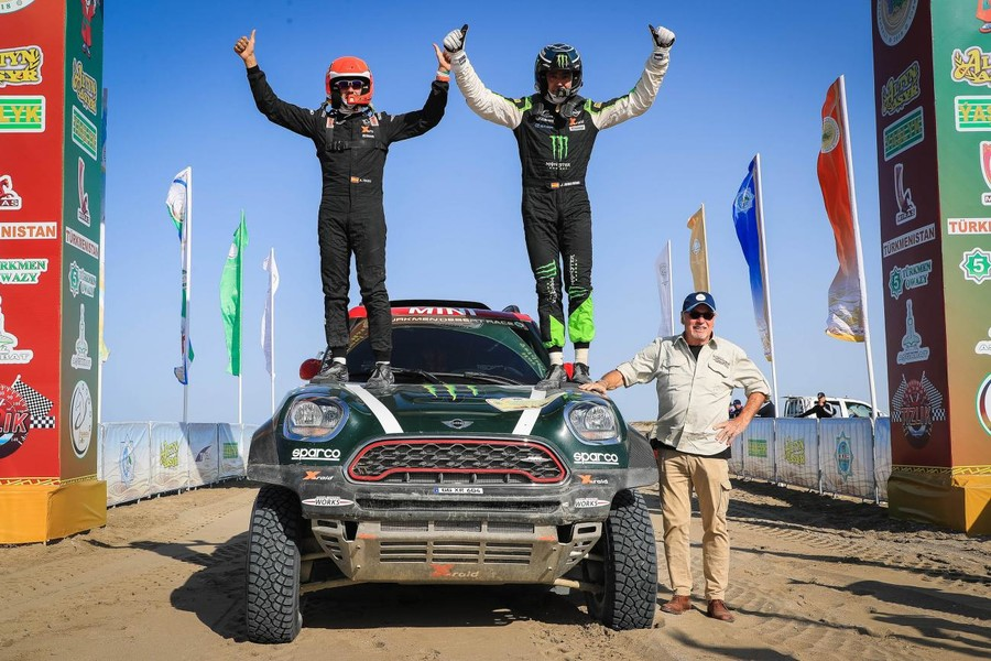 Race along Silk Road: Amul Hazar 2018 intl rally ends deep in Karakum Desert with surprise victory