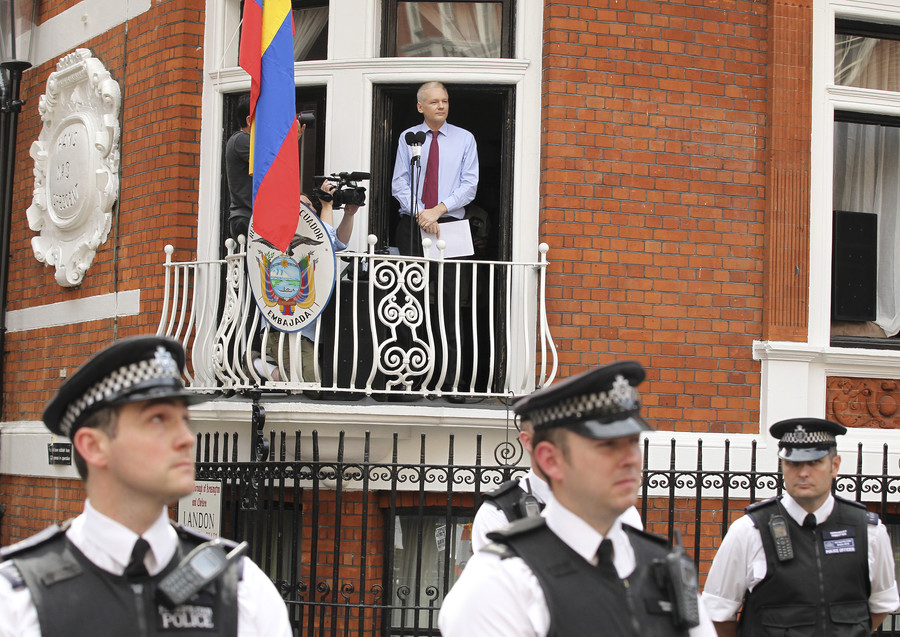 Guardian's 'deliberate lies' over Assange Russia plot slammed by Craig Murray