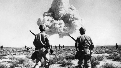 US troops during nuclear tests in Nevada. April 1952 © Intercontinentale