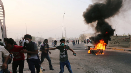 Iraqis torch govt building in Basra as at least 1 killed, 20+ injured in fresh protests (VIDEO)