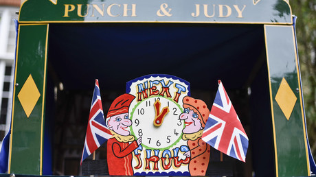 A Punch and Judy Show about to start in Covent Garden, London. May 13, 2018 © Stephen Chung