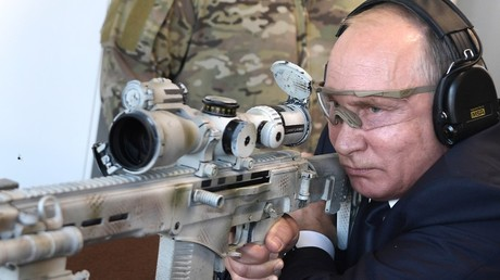 Sniper Putin: Russian president tests new Kalashnikov marksman rifle (VIDEOS)