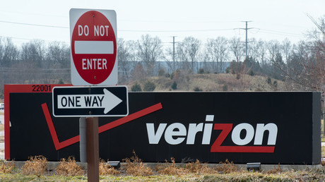 Verizon Wireless suffers massive outage across US
