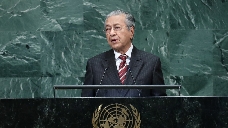Malaysian PM doubles down on 'hook-nosed Jews' comments, blames Israel for ME woes