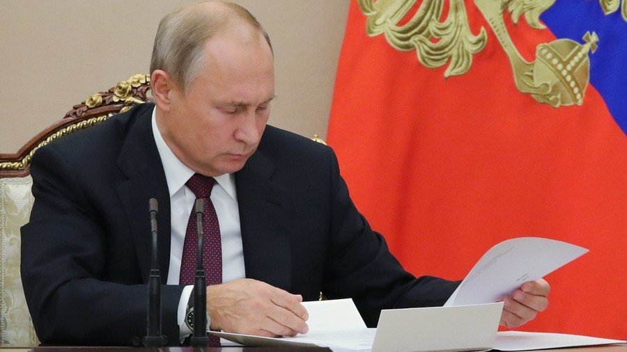 Putin intervenes in extremist reposts controversy to stop 'manifestations of senility'