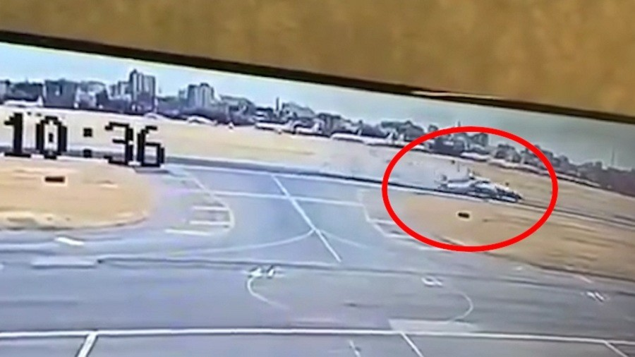 CCTV footage shows 2 military transport planes' bizarre collision at Khartoum airport (VIDEO)