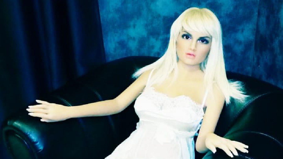 Sex doll brothel in Moscow gets chatty 'intelligent' robot – but it can only speak English & Chinese
