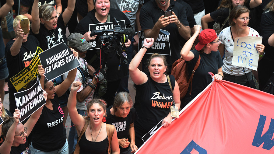 Amy Schumer Detained, Possibly Arrested at Brett Kavanaugh Protest in DC