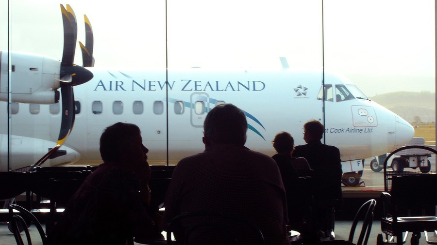 Digital strip search: NZ travellers to be fined if they refuse to hand over passwords