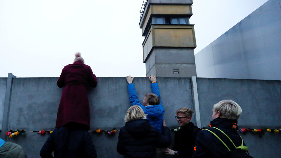 A new Berlin Wall? US is see-sawing Europe in half by trying to isolate Russia - experts