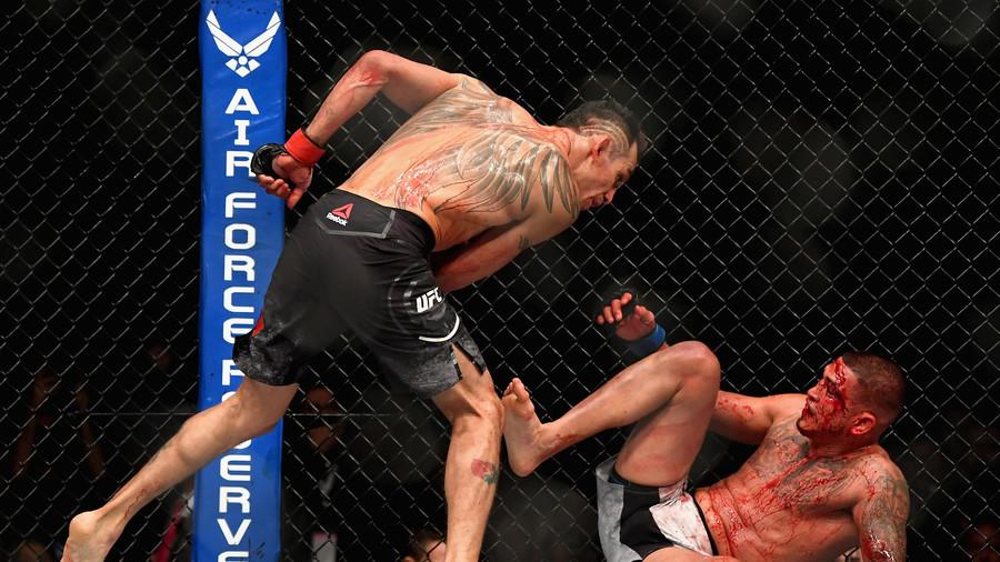 UFC 229: Ferguson beats Pettis in brutal slugfest, launches scathing attack on McGregor