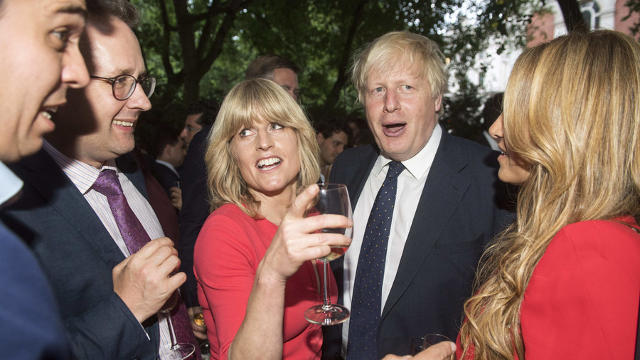 Boris gets owned by his sister in latest Brexit Twitter beef