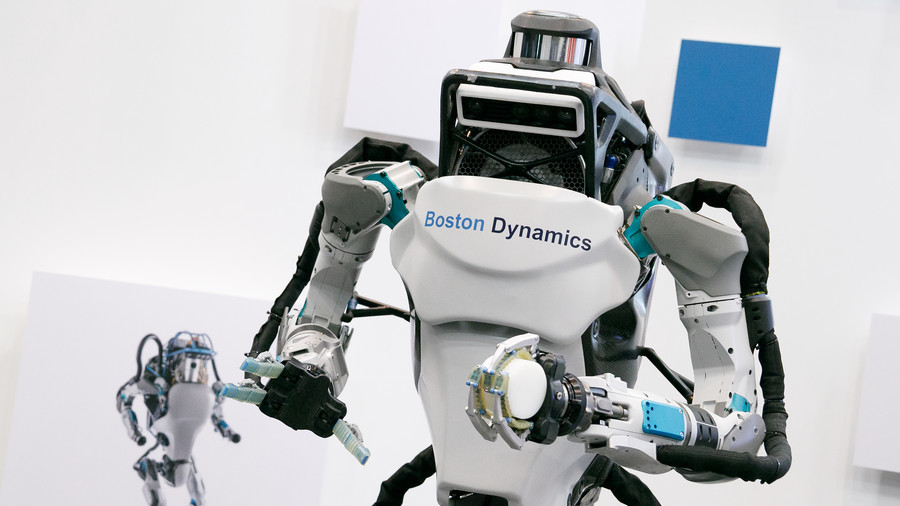 Boston Dynamics' Atlas robot can now do parkour to chase squishy humans up stairs (VIDEO)