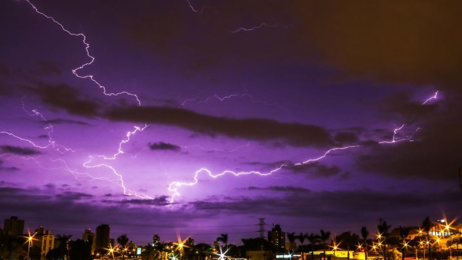 'Very strange': Mysterious bright purple sky sparks numerous conspiracy theories (VIDEO)