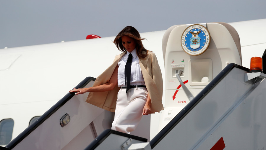 Melania Trump's plane forced to turn around after 'mechanical issue' fills cabin with smoke