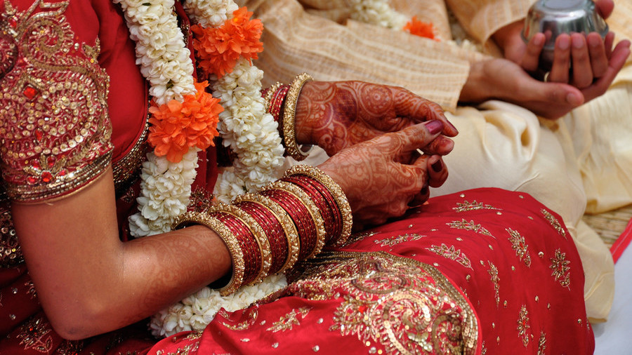 Wedding tourism: Indian couples selling tickets to their big day