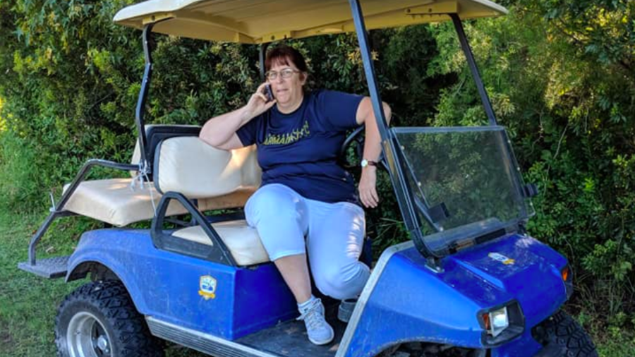 'Golfcart Gail' Calls Cops on Supportive Dad Cheering on Son (PHOTOS, VIDEO)