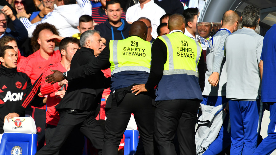Man Utd boss Mourinho goes full Khabib after last-second equalizer in bout against Chelsea (VIDEO)