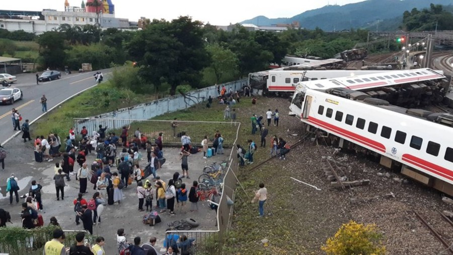 18 dead, 168 injured in catastrophic train derailment in Taiwan (DISTURBING PHOTOS)