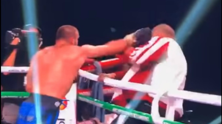 Georgian boxer attacks his OWN trainer after points defeat (VIDEO)