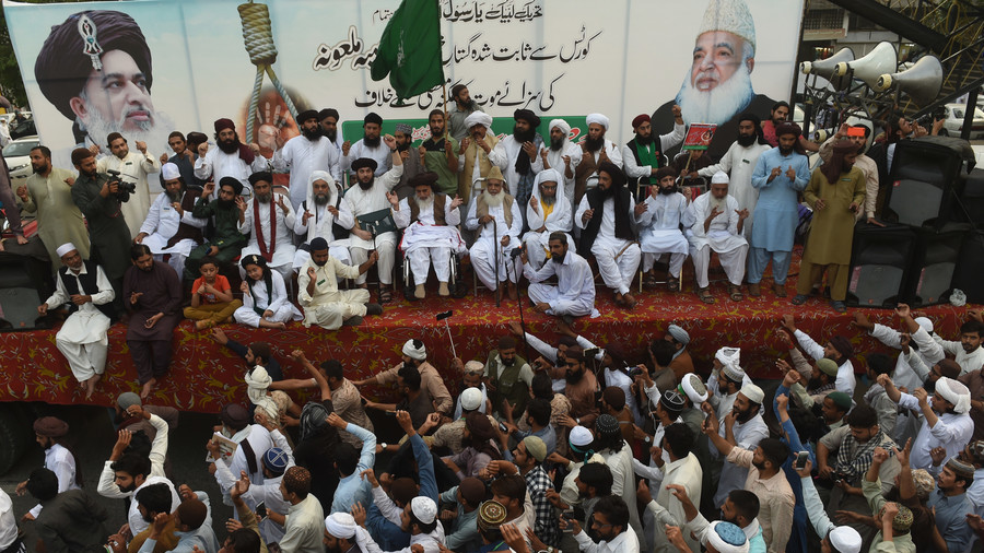 Pakistan's Islamist party says judges who acquitted Christian woman 'deserve death'