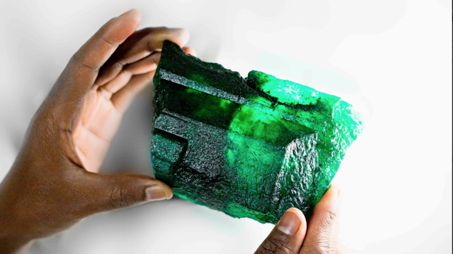 Enormous 1.1kg emerald found worth an estimated $2.5mn (PHOTOS)