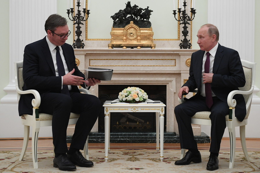 Serbian president arrives in Moscow after Kosovo border crisis