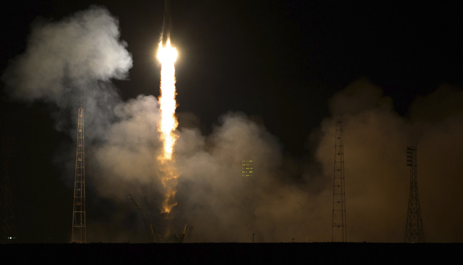 Ambitious space deals signed, India asks Russia for help with its first-ever manned mission