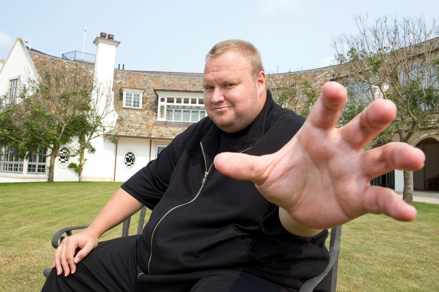 Kim Dotcom jokingly mulls 'insanity defense' as he vows to fight 'deep state' (VIDEOS)