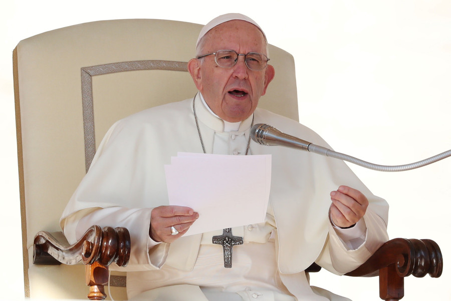 Pope Francis compares abortion to 'hiring contract killer'