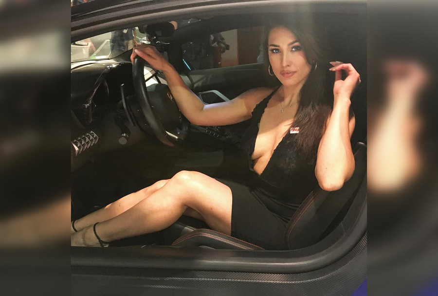 US model dies after being shot in the neck while driving her car in unexplained crime